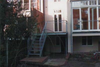 Balkon-und-Freitreppe2a_g