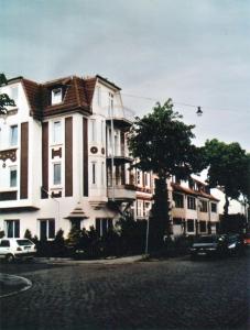 Balkons-mit-1-Stuetze_a_g