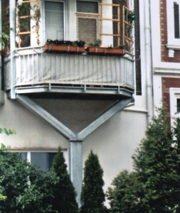 Balkons-mit-1-Stuetze_b_g