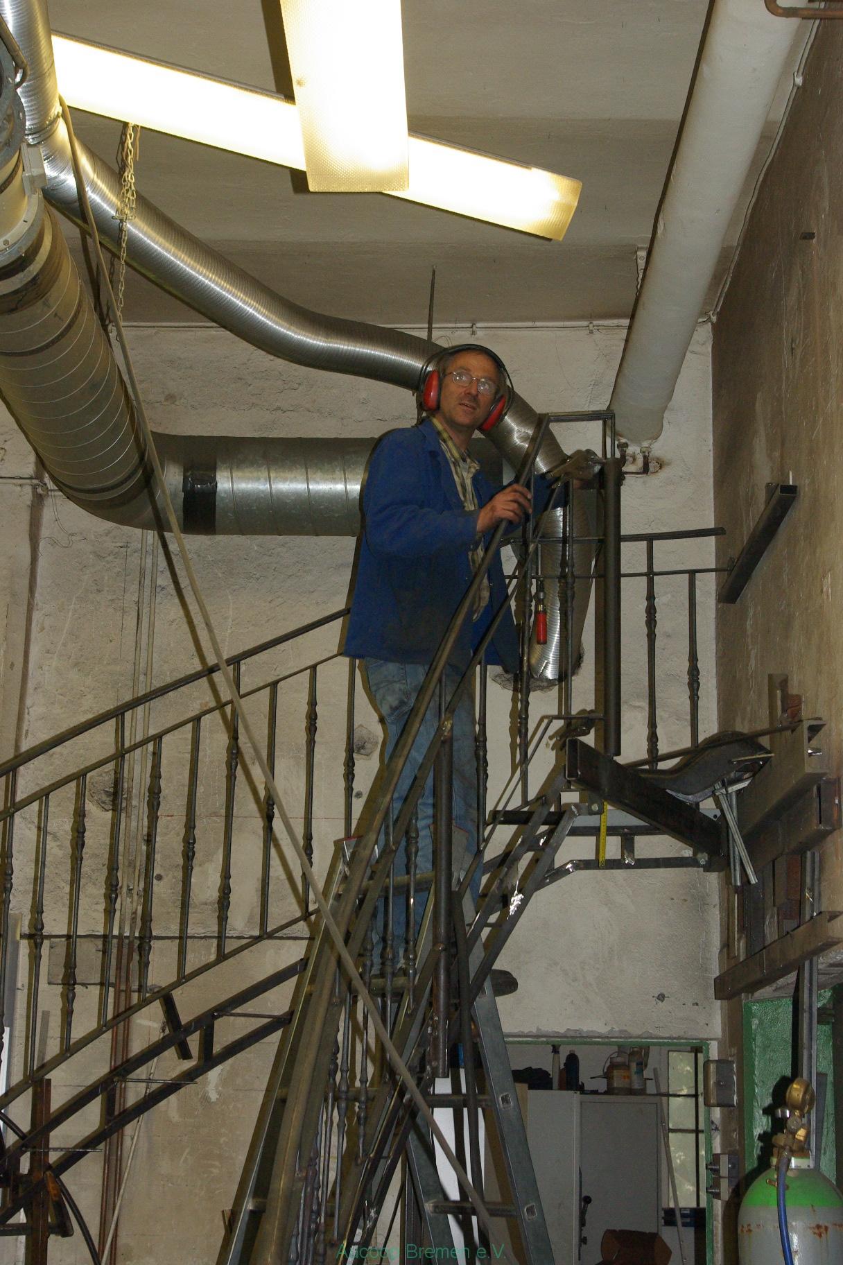 Peter auf Treppe 2
